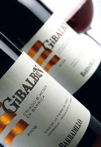 Rediseño de etiquetas para vino Gibalbín